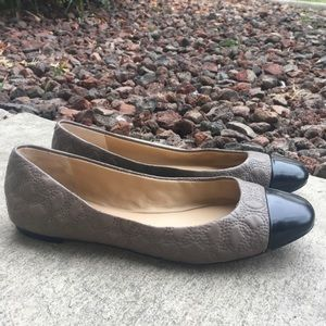 ANN KLIEN 8 (7-7.5) 2 Tone Leather Ballerina Flats